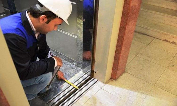 مردم آسانسورهای بدون ایمنی را اطلاع دهند
